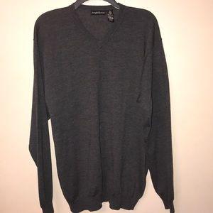 💥Like new, Dark Grey 💯% Wool v neck sweater